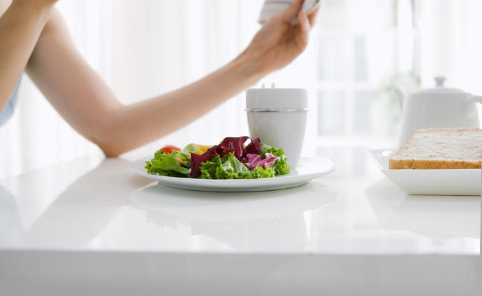 20代以下の女性の5人に1人が「やせ」!  食生活の実態と将来の健康リスク