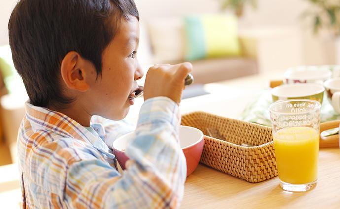 「主食のみ朝食」が増加! 子供の食生活を改善する方法とは?